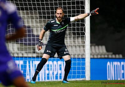"""Vanhamel à propos de l'intérêt mauve: """"Je n'ai jamais eu à choisir entre le Beerschot et Anderlecht"""""""