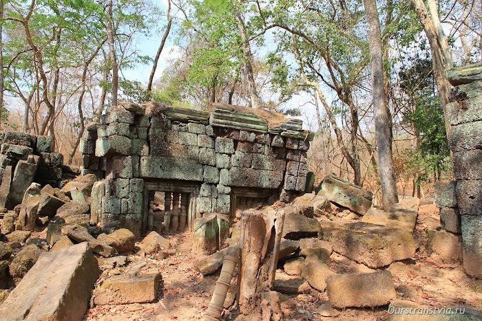 Заброшенные библиотеки Кох Кера