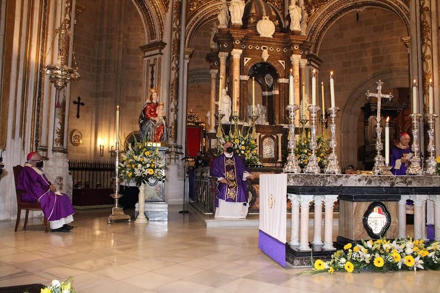 Durante la celebración de la solemne eucaristía.