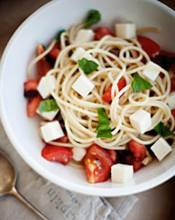 Spaghetti with Tomatoes, Basil, Olives, and Fresh Mozzarella Recipe