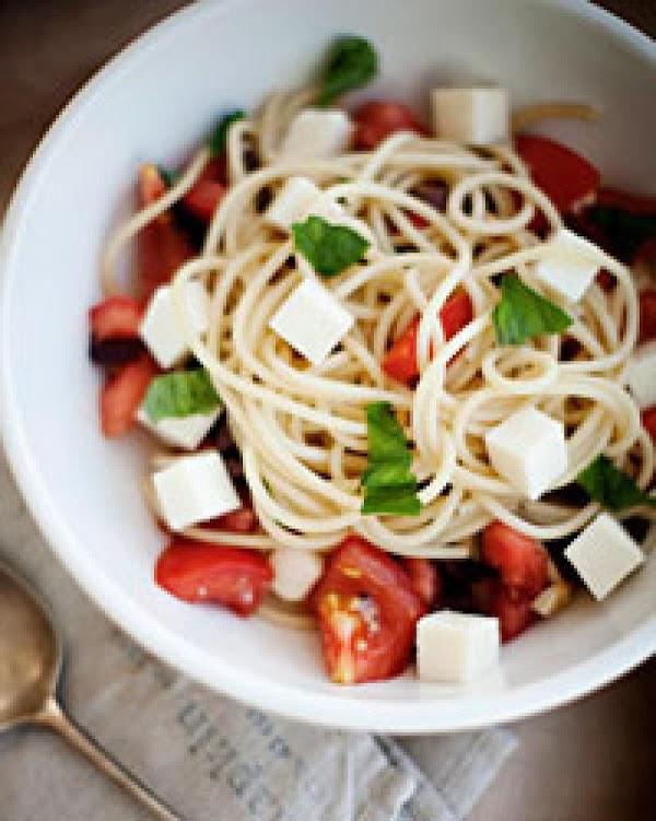 Spaghetti With Tomatoes, Basil, Olives, And Fresh Mozzarella Recipe