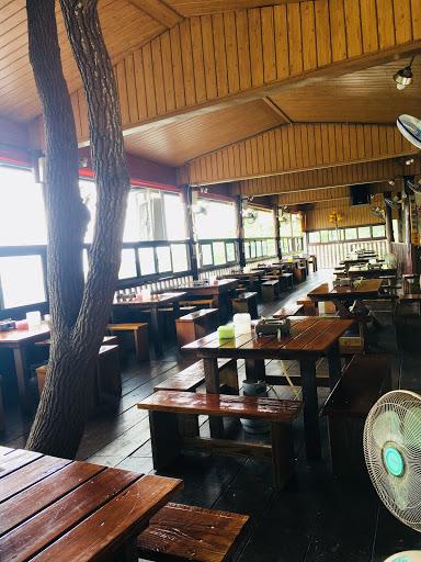 老闆的用心 為了提昇顧客用餐品質 本餐廳座椅全面更新 提昇舒適感