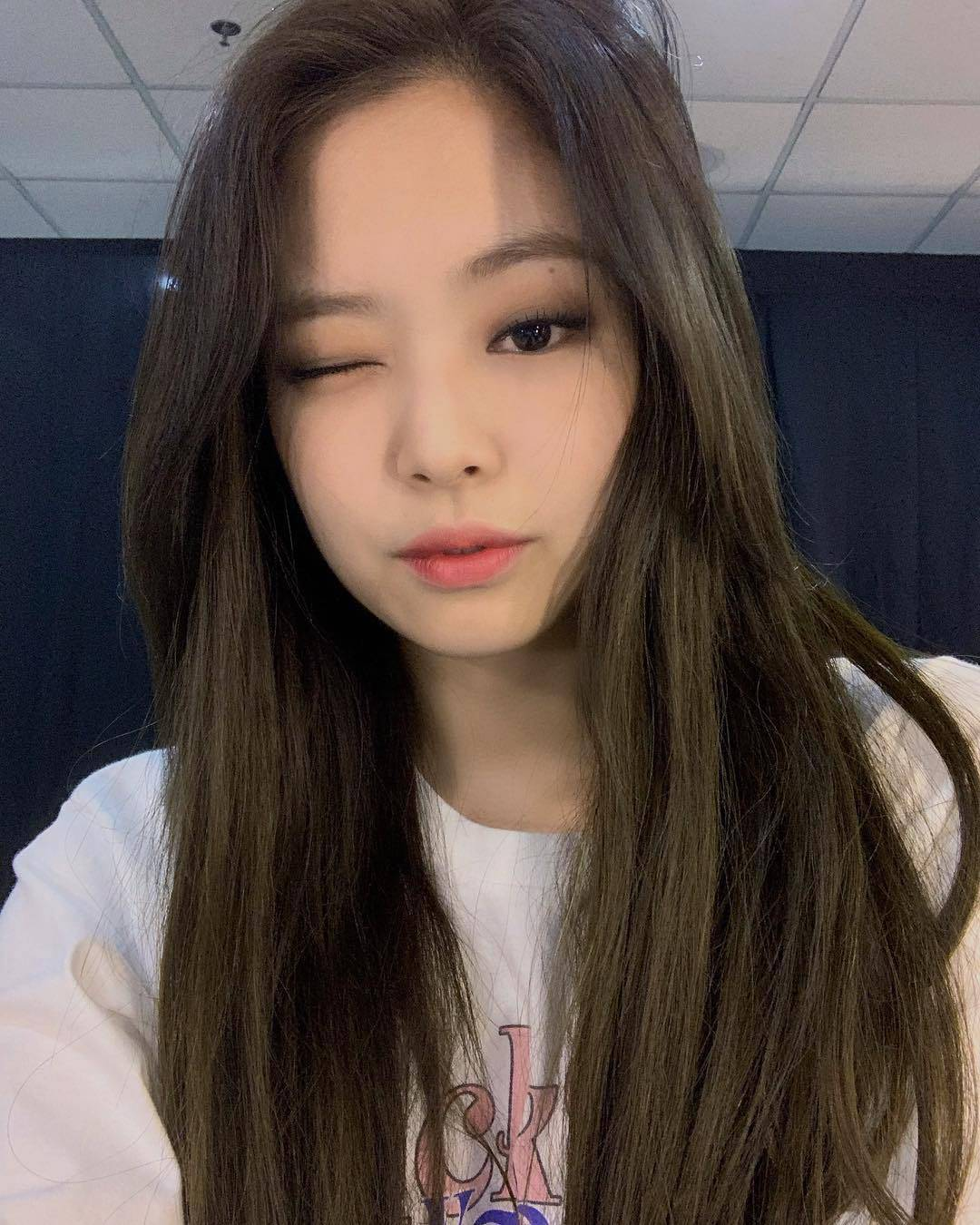 jennie deleted selfie 3