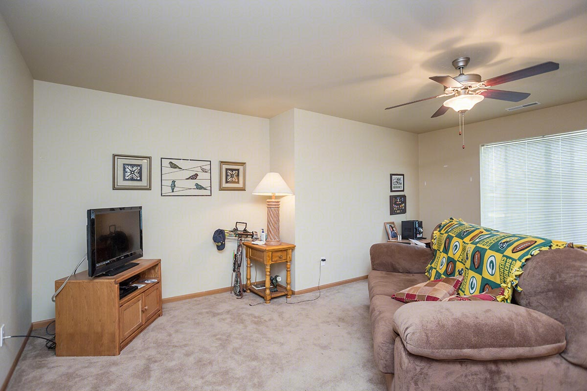 Two Bedroom, Two Bath Floorplan (2 Bed, 2 Bath) | Buck ...