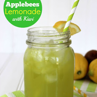 CopyCat Applebee's Lemonade with Kiwi
