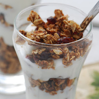 Granola and Yogurt Parfaits Recipe