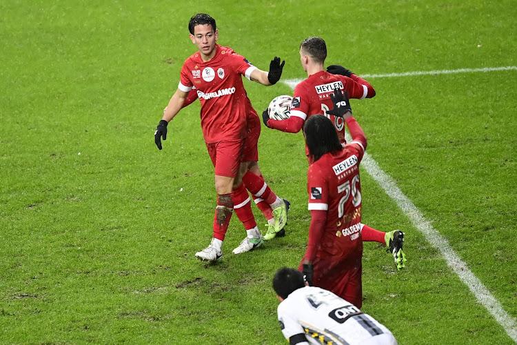 """Cristian Benavente n'a pas souhaité fêté son but contre Charleroi: """"Une marque de respect"""""""