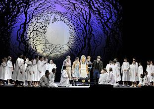 Photo: Wiener Staatsoper: HÄNSEL UND GRETEL. Inszenierung Adrian Noble. Premiere 19.11.2015. Janina Baechle,  Ileana Tonca, Daniela Sindram, Adrian Eröd. Copyright: Barbara Zeininger