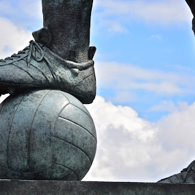 The Captain by Filip Caric - Buildings & Architecture Statues & Monuments ( wembley stadium london bobby moore )