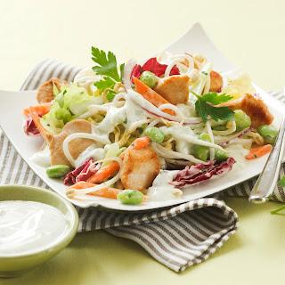 Fitness-Salat mit Putenstreifen und Sojasprossen
