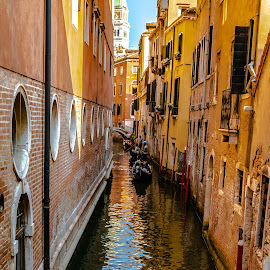 Long canal, narrow but full of life by Hariharan Venkatakrishnan - City,  Street & Park  Historic Districts