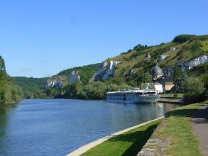 Photo: Le port fluvial des Andelys.