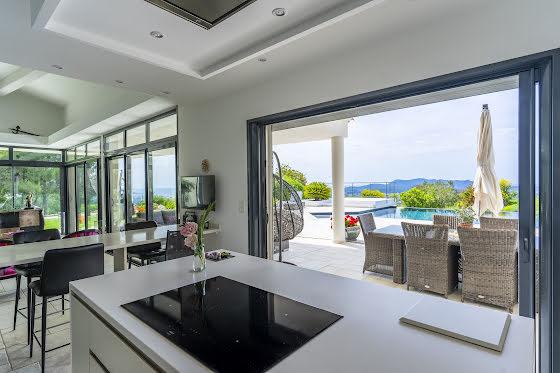 Vente propriété 270 m2