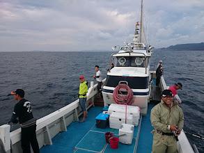 Photo: 本日も個性豊かなアングラー、ご乗船です。 「さあー、やるぞーっ!」