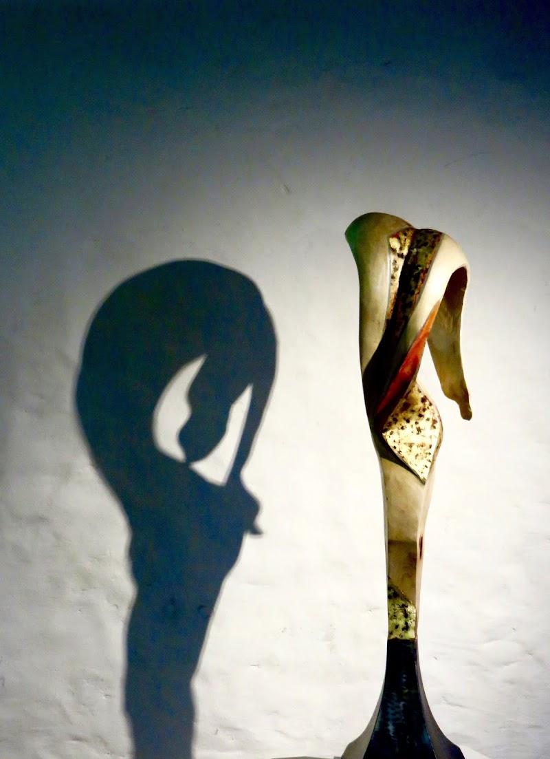 sinuosità ed eleganza di mariellaturlon