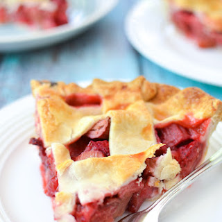 Strawberry Rhubarb Rose Pie