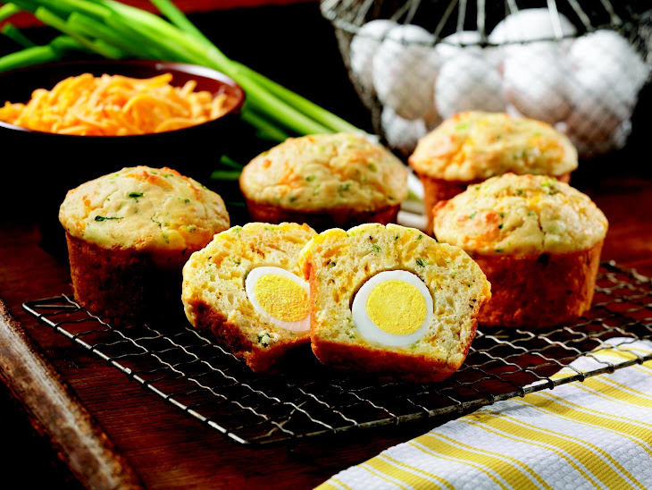 Cheddar-Herb Egg Stuffed Muffins Recipe