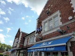 Isis Restaurant & Hotel
