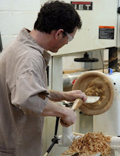 Photo: Hollowing... Note that the grip is on the tool, not the tool rest.