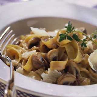 Pasta with Mushroom and Mascarpone Sauce