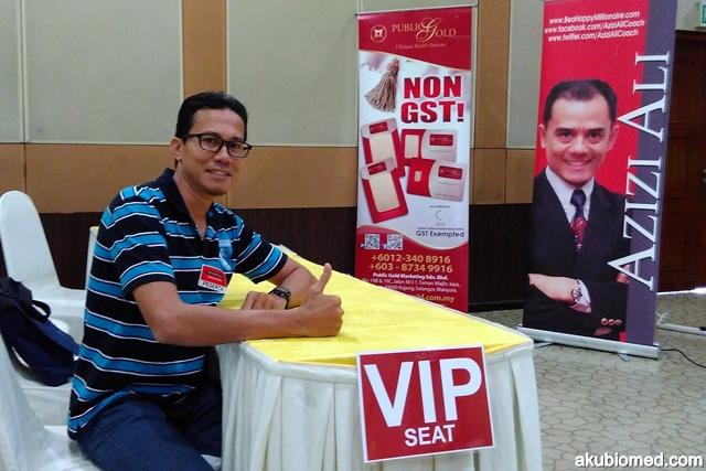 ambil aura duduk dikerusi VIP seat