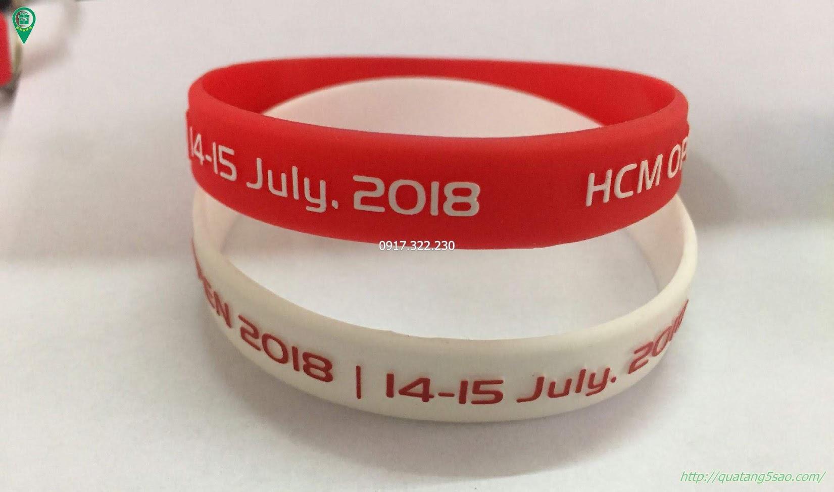 Vòng tay cao su dập nổi đổ màu - HCM Open Day