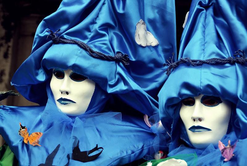 Men in blue di viola94