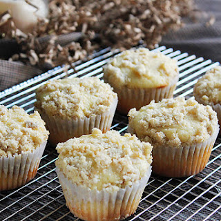 Yogurt Coffee Cake Muffins