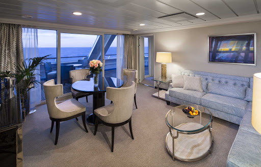 Oceania-Sirena-Owners-living.jpg - Find all the comforts of home in the Owner's Suite on Oceania's Sirena.
