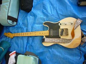 Photo: リッキーズ館さんのNash Guitars。あれ?前はストラトじゃなかったっけ~(^_^)