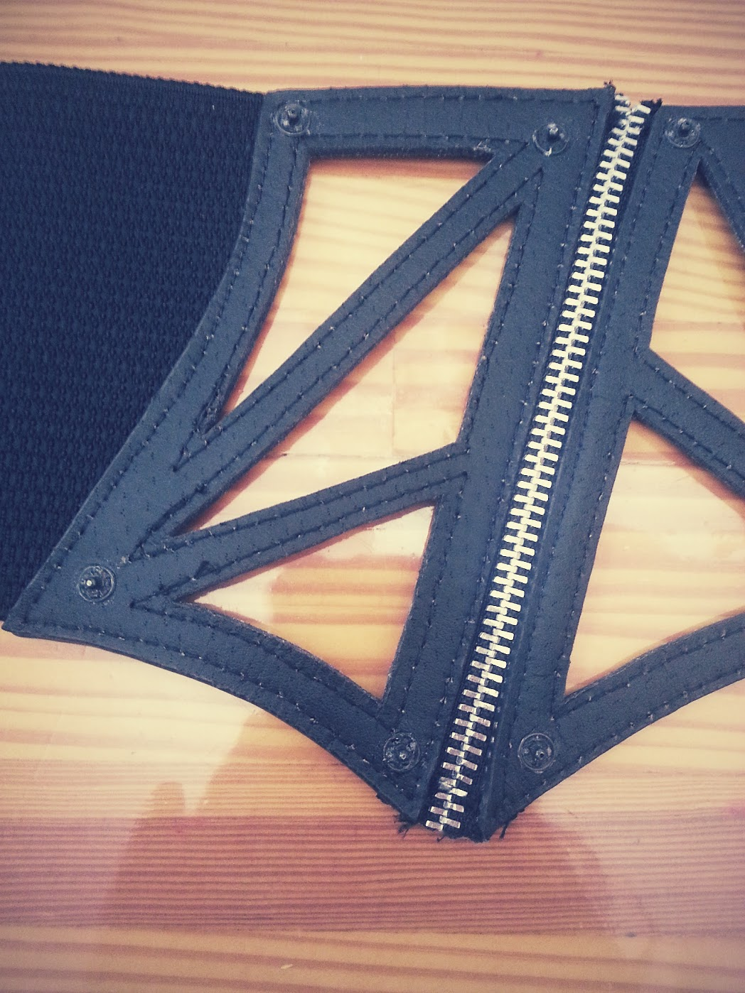 In-Progress: Waist Corset Belt Refashion - DIY Fashion Accessories | fafafoom.com