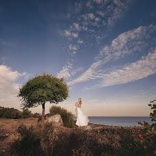 Wedding photographer Mikhail Galaburdin (MbILLIA). Photo of 15.01.2016