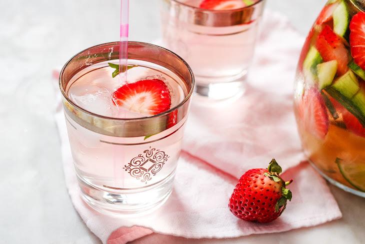Cucumber Strawberry Detox Drink