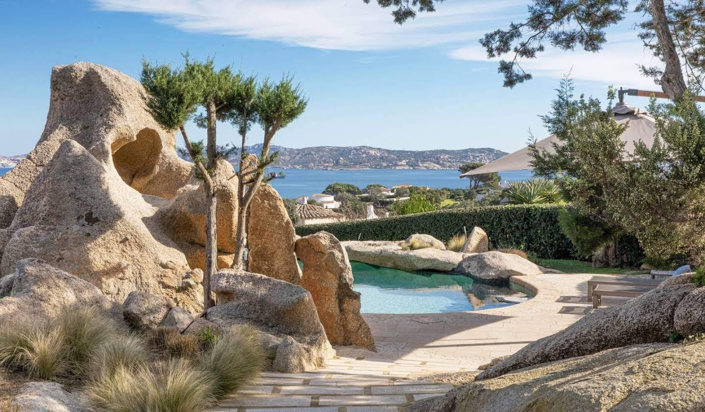 Villa with garden and terrace Altura