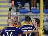 Saint-Trond a terminé la rencontre à dix face à Anderlecht