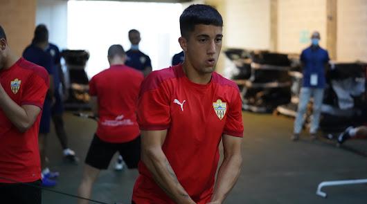 """El entorno de Cristian Olivera: """"Va cedido a Peñarol hasta diciembre"""""""