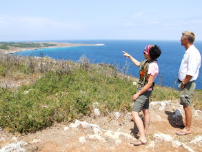 Photo: ... zu einer Bucht, die idyllisch und geschützt an der Ostküste des Salento liegt.