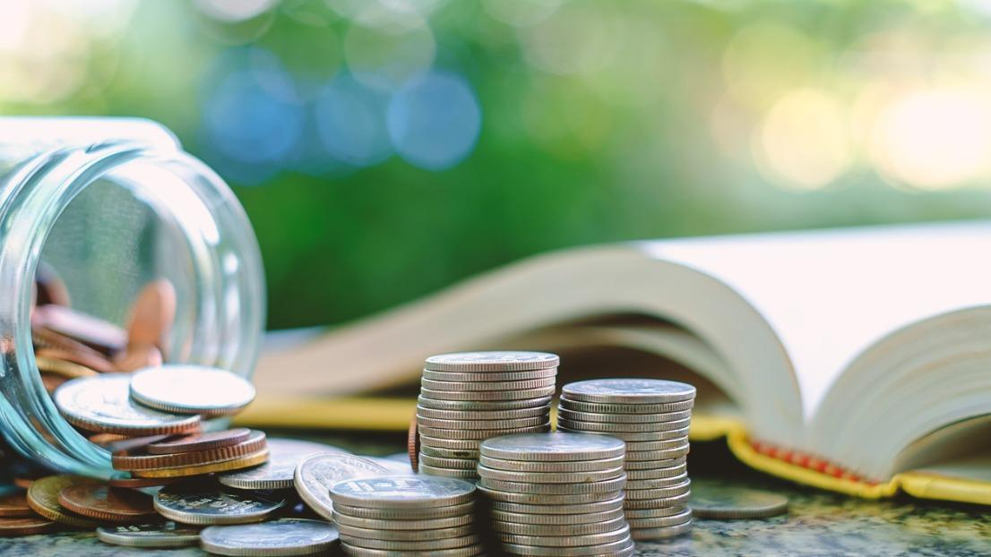 Top tips to save money as a student