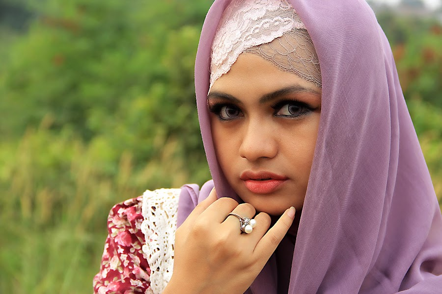Sarah Terarosa by Ismail Ahmad - People Portraits of Women ( #potrait )