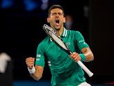 Djokovic verbijt de pijn en verslaat Raonic in vier sets in achtste finales Australian Open