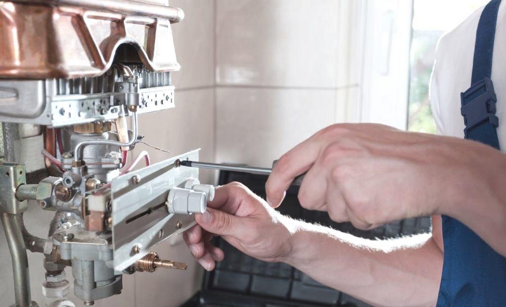 Lắp đặt dây nối tiếp đất cho bình nóng lạnh
