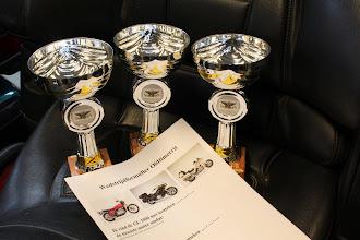 Photo: en er lagen mooie wedstrijdformulieren, zodat de bezoekers de keuze konden maken voor de mooiste motor per categorie.