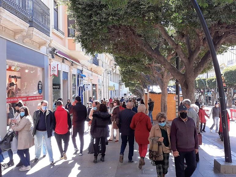 La ciudad se llenó de ciudadanos con ocasión de las fiestas navideñas.