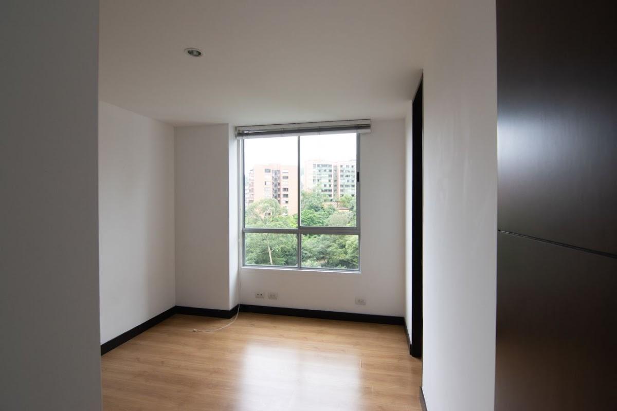 apartamento en arriendo poblado 585-23490