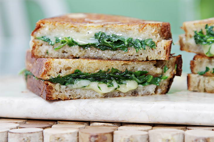 Grilled Cheese Sandwich with Garlic Confit and Arugula Recipe