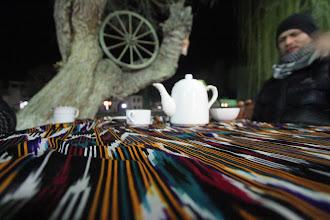 Photo: Senamiestį gavome kibirą žalios skanios arbatos už keletą centų.  Cheaply got a bucket of fantastic green tea in the old town of Bukhara.
