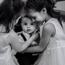 Wedding photographer Olga Komkova (redfoxfoto). Photo of 01.06.2018