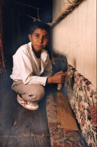 Dokuma tezgâhından çocuk işçiliğine karşı mücadeleye uzanan bir yaşam öyküsü: İqbal Masih – Murat Özpek | Fırtına Dergi