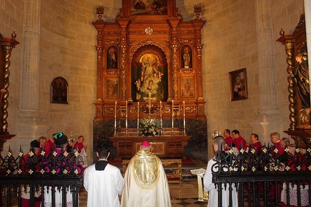 En la Capilla de San Indalecio, Patrón de la Diócesis.