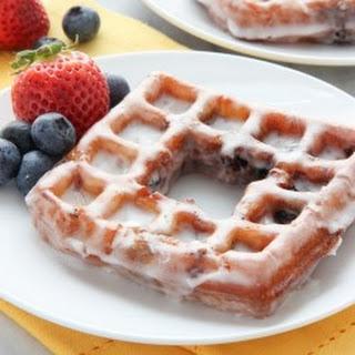 Berry Wonuts with Lemon Glaze